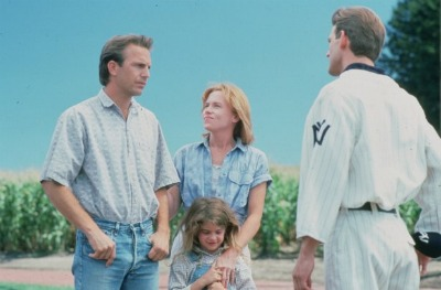field of dreams kevin costner in field with family
