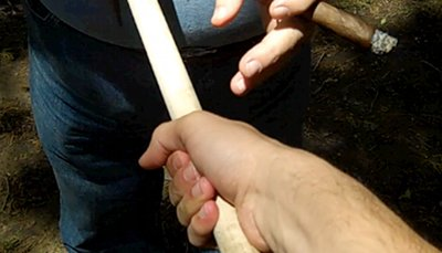 how to grip a tomahawk shake hands