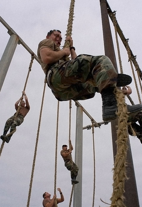 military buds training rope climbing