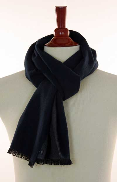 how to tie scarf parisian french european knot