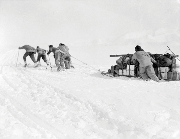 scott antarctic expedition men hauling sled sledge