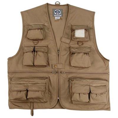 Concealed carry vests for men.