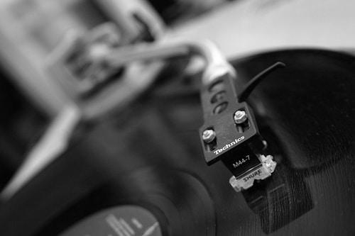 Gramophone's turn table hook.