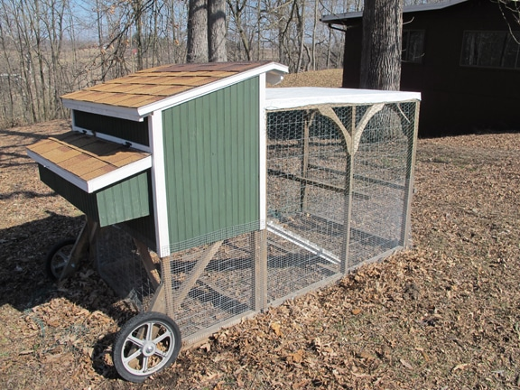 chicken coop with wheels wire fence