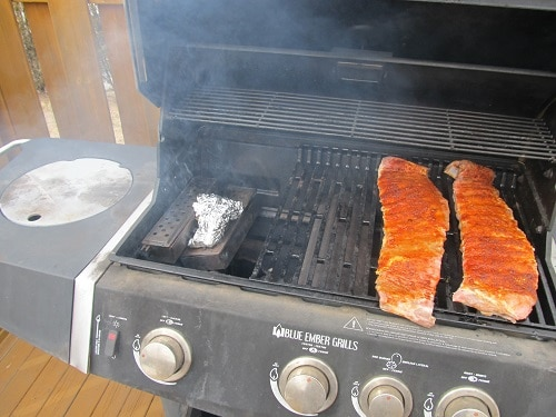 how to make smoked ribs on a gas grill the art of manliness. Black Bedroom Furniture Sets. Home Design Ideas