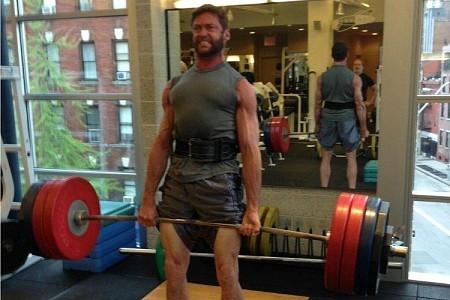 wolverine hugh jackman deadlifting muscles bulging