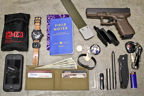 The art of manliness different products of Bryan's EDC.