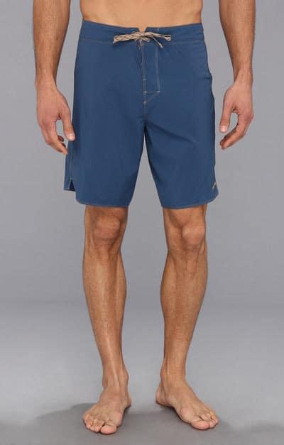 Man wearing a swimshorts.