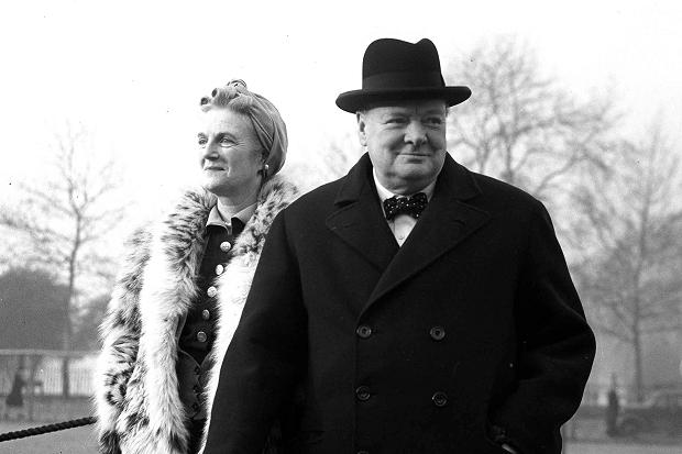 winston and clementine churchill walking together