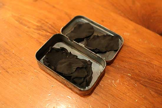 diy homemade char cloth firestarter altoids tin burnced cloth