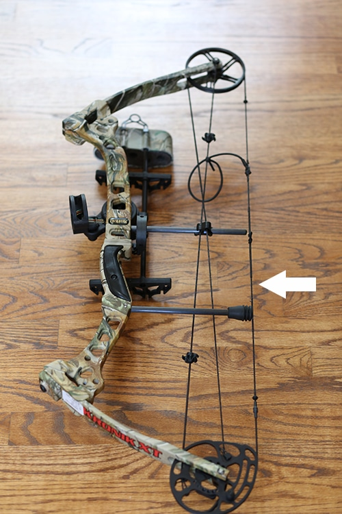 Compound bow hunting bowstring parts and anatomy.
