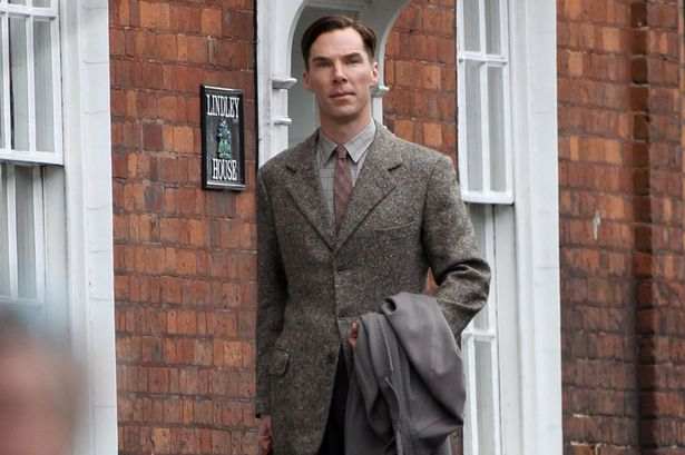 benedict cumberbatch walking down street textured suit