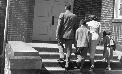 Why You Should Go to Church (Even If You're Not Religious) | Art of Manliness