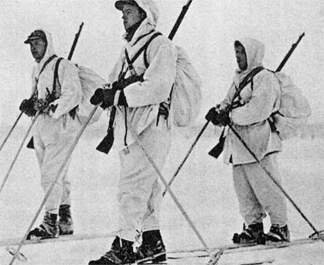 Norwegian volunteer soldiers wwii helping in winter war.
