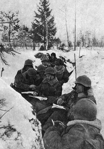soviet soldiers wwii in snowy trench