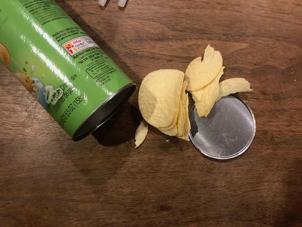 Pringles with can.