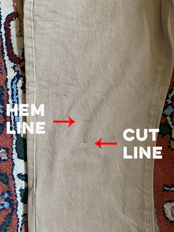 Direction of a cutting line and hem line.