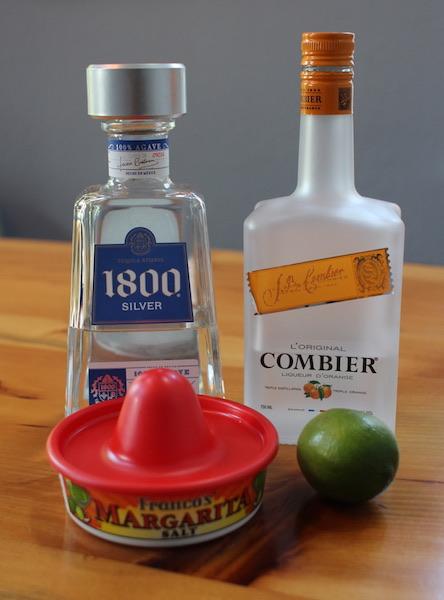 Ingredients to make perfect margarita.
